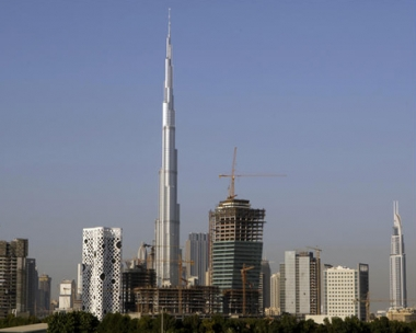 دبي العالمية تجتمع بدائنيها لتطلب مزيدا من الوقت لسداد ديونها