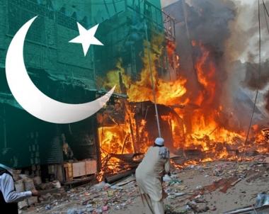 مقتل 8 اشخاص واصابة اكثر من 20 بهجوم انتحاري في بيشاور الباكستانية