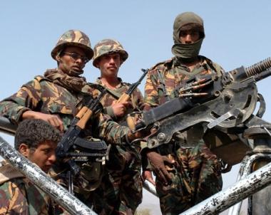 الجيش اليمني يبدأ حملة تستهدف القاعدة في ثلاث محافظات
