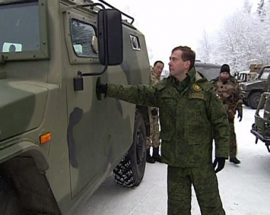 مدفيديف: الحفاظ على القوة النووية الروسية يعتبر من اولويات وزارة الدفاع