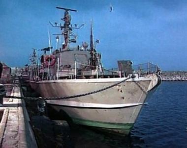 مرسى للزوارق بعد الحاجز الفولاذي لتأمين حدود مصر مع غزة