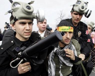 السلطات التركية تعتقل 120 شخصا يشتبه بإنتمائهم لتنظيم القاعدة