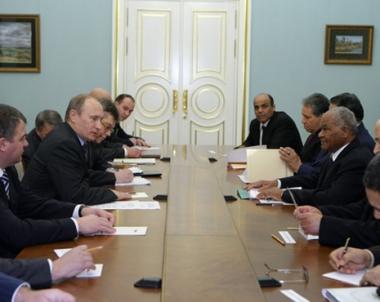 بوتين بحث مع وزير الدفاع الليبي التعاون في المجال العسكري التقني