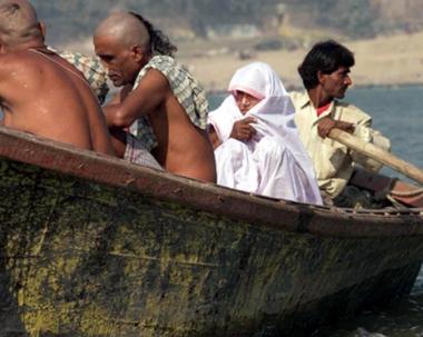 مقتل 12 شخصا  في انقلاب عبارة جنوب الهند