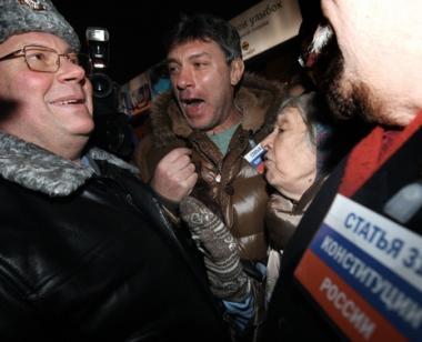 توقيف نحو 100 معارض في مظاهرة احتجاجية بوسط موسكو