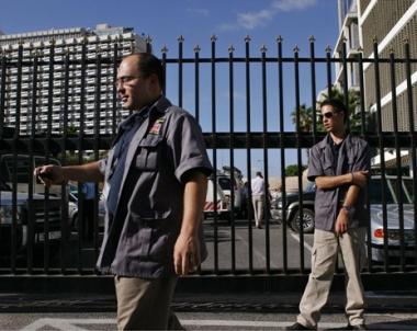 حماس تتهم اسرائيل باغتيال المبحوح وتل ابيب تشدد الامن على سفاراتها في الخارج