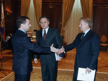 مدفيديف يعد الرياضيين الروس بالدعم الكامل في أولمبياد فانكوفر