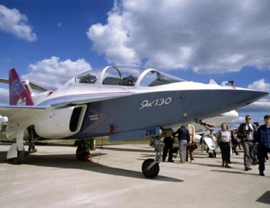 الاتفاقيات مع ليبيا تقضي بتوريد 20 طائرة حربية وتطوير 145 دبابة