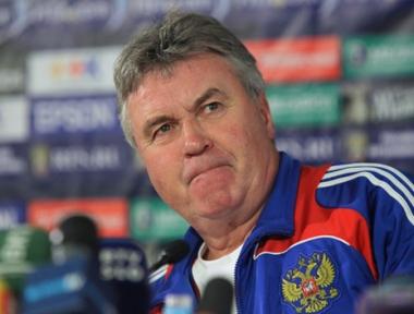 غوس هيدينك لن يستمر في تدريب المنتخب الروسي بكرة القدم