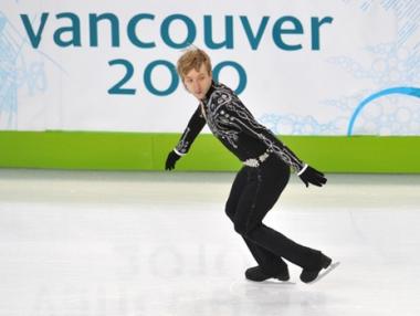 الروسي بلوشينكو يتصدر في التزلج الفني على الجليد
