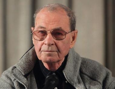 وفاة المخرج السينمائي الروسي فلاديمير موتيل