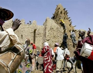مصرع 24 شخصا في تدافع باكبر مساجد مدينة تمبكتو بمالي