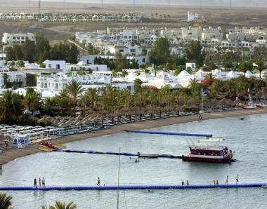 مقتل 3 بحارة واصابة 4 سياح في اصطدام سفينة سياحية بالرصيف في شرم الشيخ