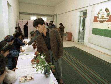 مواطنو طاجكستان ينتخبون مجلس النواب الجديد