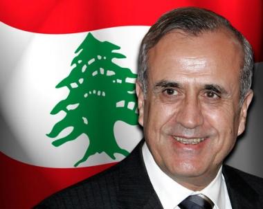 الرئيس اللبناني يصل الى الرياض ويجتمع بخادم الحرمين االشريفين