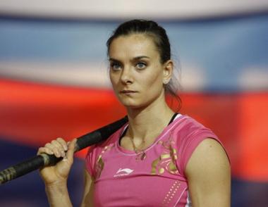 الروسية ايسنبايفا تحرز لقب بطلة دورة النجوم للقفز بالزانة