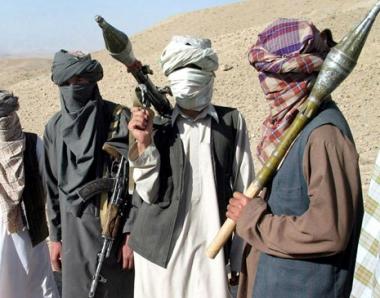 عشرات القتلى في معارك بين طالبان وأنصار حكمتيار