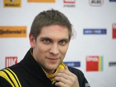 الروسي بيتروف يؤكد جاهزيته لسباق جائزة البحرين الكبرى