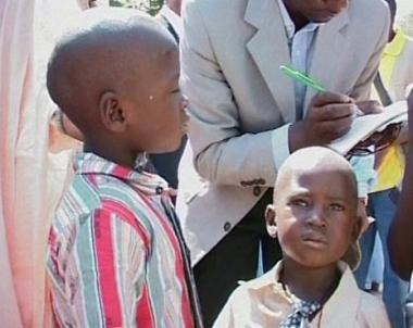 الشرطة السودانية تزيل منازل بمخيم في ضواحي الخرطوم