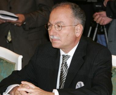 إحسان أوغلو: روسيا صديق آمن لمنظمة المؤتمر الإسلامي