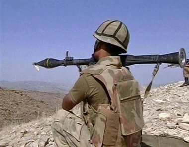 مقتل 26 مسلحا من طالبان في غارة نفذتها طائرات باكستانية