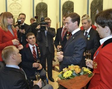 مدفيديف يكرم ابطال اولمبياد ذوي الاحتياجات الخاصة
