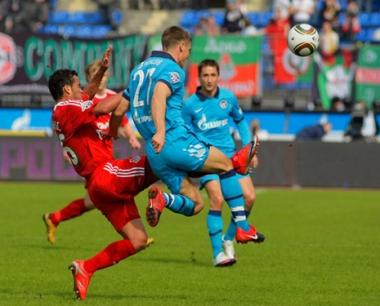 زينيت يخرج بالنقاط الـ 3 من مباراته أمام ضيفه لوكوموتيف موسكو