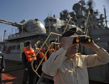 طراد بطرس الاكبر النووي الروسي يزور ميناء طرطوس