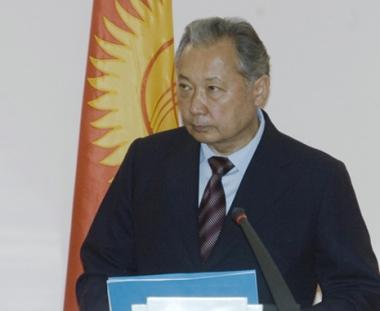 باقييف مستعد للمساعدة في اجراء انتخابات شرعية في قرغيزيا
