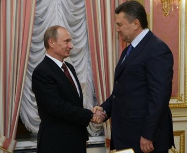 بوتين يدعو اوكرانيا لتعزيز التعاون في المجالين النووي والمالي