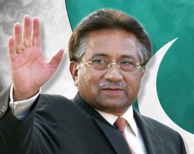 مقربون من مشرف يشيرون الى عودته الى باكستان لممارسة العمل السياسي