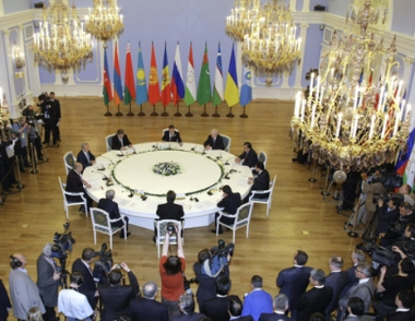 مدفيديف: رابطة الدول المستقلة آلية مناسبة للتنسيق لمعالجة الأزمة الاقتصادية