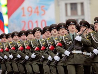 الاستعراض العسكري في الساحة الحمراء بموسكو