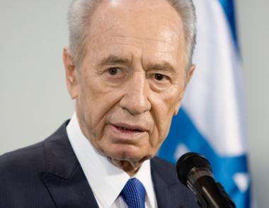 بيريز: اسرائيل ترمي الى السلام مع سورية الا انها غير مستعدة للتخلي عن مرتفعات الجولان