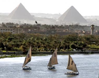 وزير مصري: القاهرة تدرس امكانية عقد جلسة طارئة للبحث باتفاقية جديدة حول النيل
