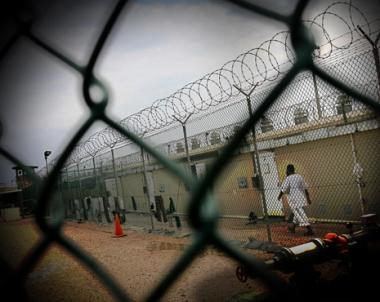 حكم قضائي بالافراج عن آخر معتقل يحمل الجنسية الروسية من غوانتانامو