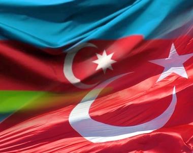 مسائل العلاقات الثنائية والامن الاقليمي و الغاز تتصدر مباحثات بين رئيس الحكومة التركية والقيادة الاذربيجانية