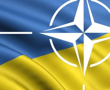 كييف تؤكد تحسين العلاقات مع موسكو وواشنطن وتجدد الغاء فكرة الانضمام الى الناتو من اجندتها