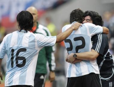 بعثة الأرجنتين لكرة القدم تصل الى جنوب أفريقيا