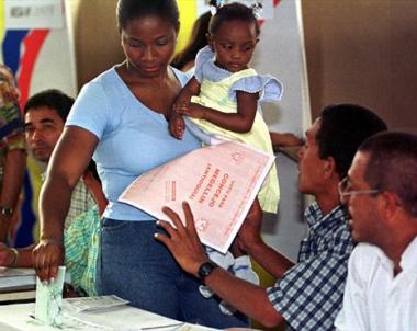 اجراءات امنية مشددة بيوم الانتخابات الرئاسية في كولومبيا