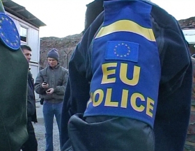 كوسوفو تشهد توترا بين الالبان والصرب