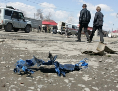مصرع شرطي واصابة اثنين آخرين في انفجارين بانغوشيا