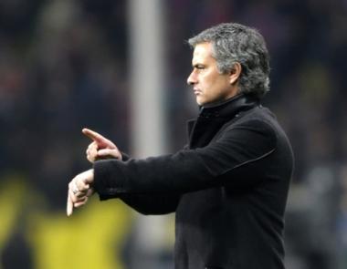 مورينيو يوقع رسمياً عقداً مع ريال لمدة 4 أعوام