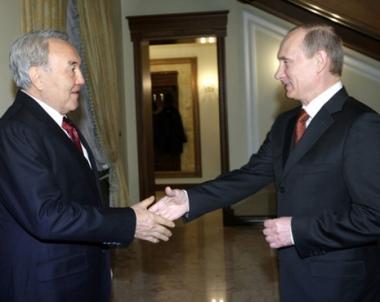 بوتين ونزار بايف يؤكدان عزمهما على ترجمة مشروع الاتحاد الجمركي على ارض الواقع