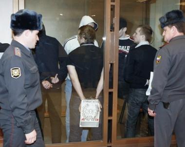 احتجاز اكثر من 10 اشخاص بتهمة قتل مواطن افريقي في بطرسبورغ