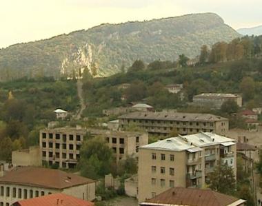 مقتل 5 اشخاص في اشتباكات بقره باغ .. وتبادل للاتهامات بين اذربيجان وارمينيا