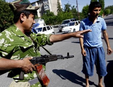 مصرع شخصين وجرح حوالي 20 آخرين في مقاطعة اوش بجنوب قرغيزستان