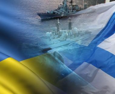 البحارة الروس والاوكرانيون يتدربون على  محاصرة عطب وهمي في غواصة