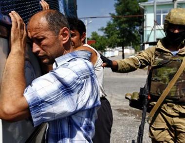 باقييف يصف السلطات القرغيزية بالعاجزة