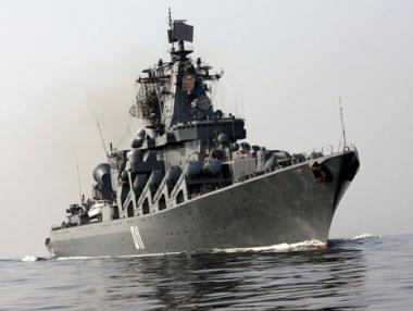 طراد فارياغ الروسي يزور السواحل الأمريكية الغربية